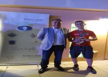 Daniel Ledesma Claros, tercer clasificado en el Campeonato del mundo sub 18 blitz.